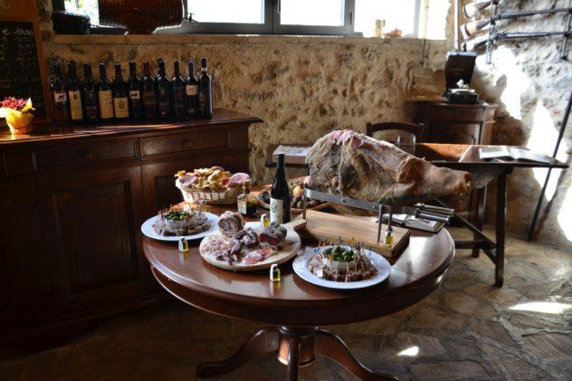 Il tavolo dei salumi