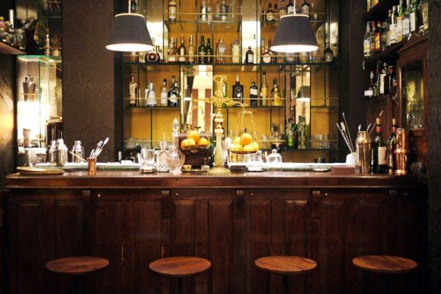 1930 cocktail bar