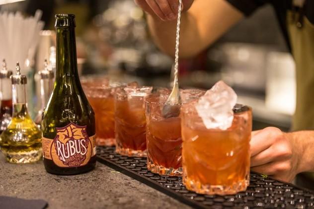 """""""Rubus in fabula"""", quando il Gin incontra la Rubus, birra ai lamponi di Birra del Borgo."""